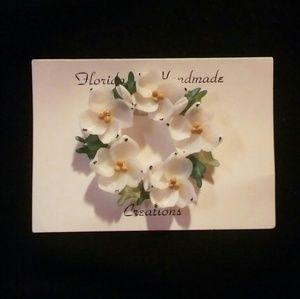 Jewelry - Handmade Flordia White Flower Glass Pin